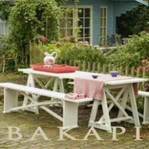 stół z koziołkami